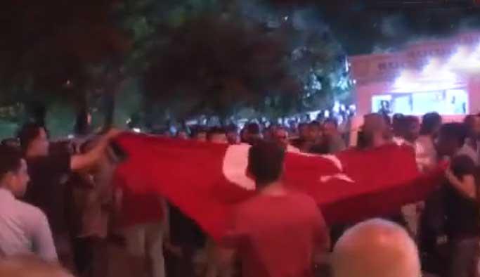 Gaziantep'te bayrak provokasyonu