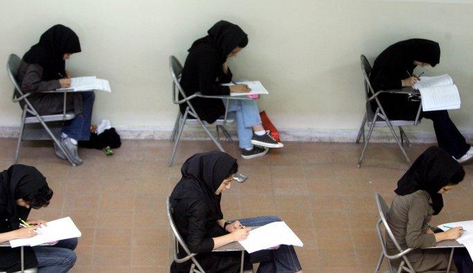 İran'da üniversitelere Türkçe ve Kürtçe eğitimi