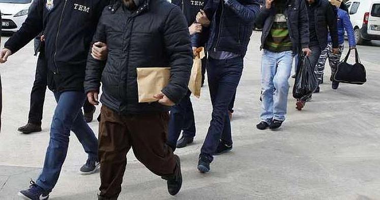 Isparta'da 42 emniyet mensubu gözaltına alındı.