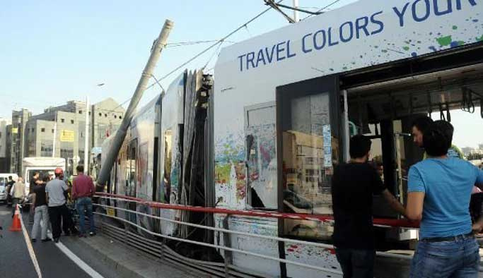 İstanbul Merter'de tramvay kazası