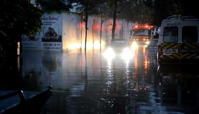 İstanbul'u gece yağmur vurdu