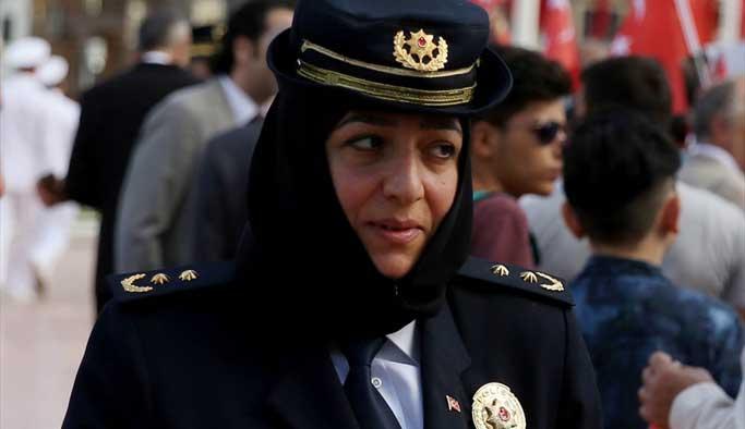 İşte Türkiye'nin ilk başörtülü polisi