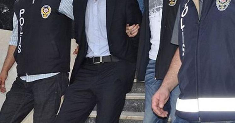 İzmir'de FETÖ kapsamında 27 tutuklama