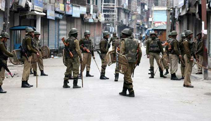 Keşmir'deki sokağa çıkma yasağı kısmen kaldırıldı