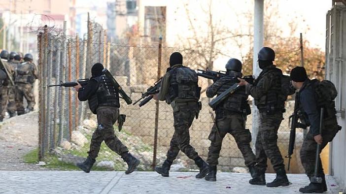 Konya'da FETÖ bağlantılı polislere eş zamanlı operasyon
