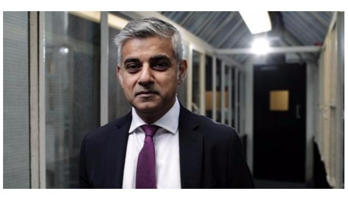 Londra Belediye Başkanı Han'dan Brexit uyarısı