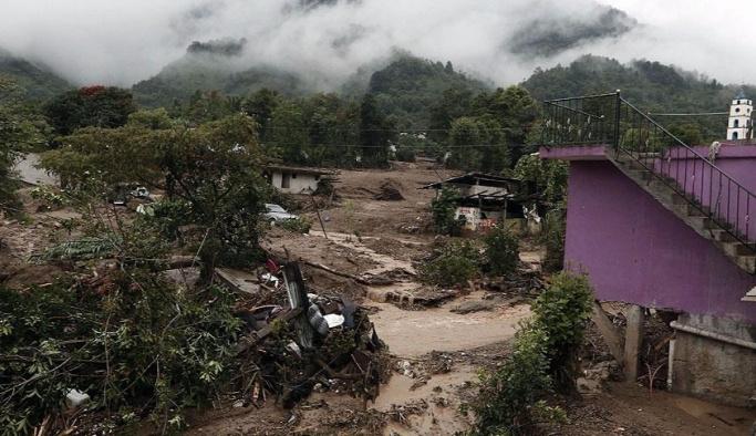 Meksika'da tropikal fırtına