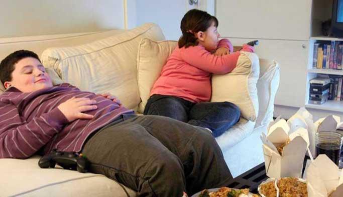 Obezite çocukları tehdit ediyor