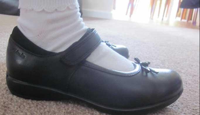 Okul ayakkabısı çocuk sağlığını etkiliyor