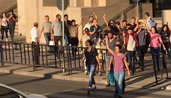 Özgür Gündem'in gözaltındaki 22 çalışanı serbest