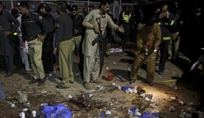 Pakistan'daki intihar saldırısı