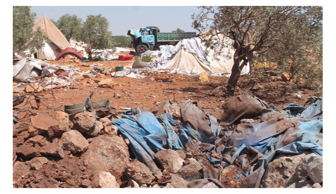 Rusya Halep'te sığınmacı kampını bombaladı