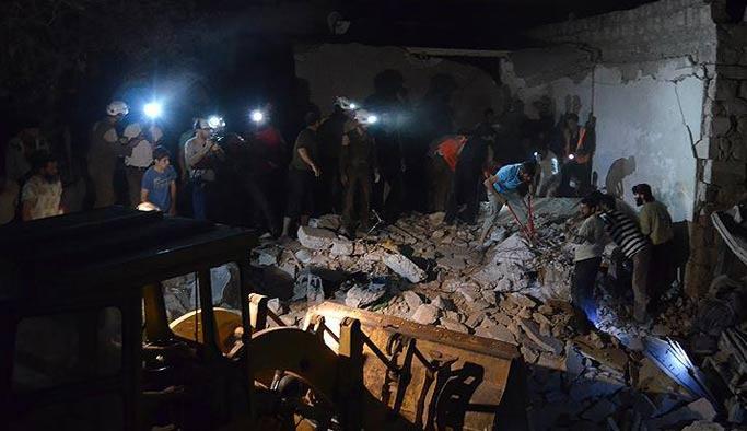 İdlib ve Halep'te hava saldırıları