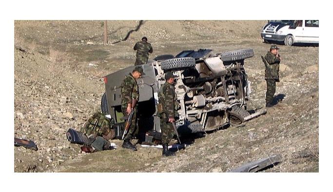 Siirt'te askeri zırhlı araç devrildi: 1 şehit