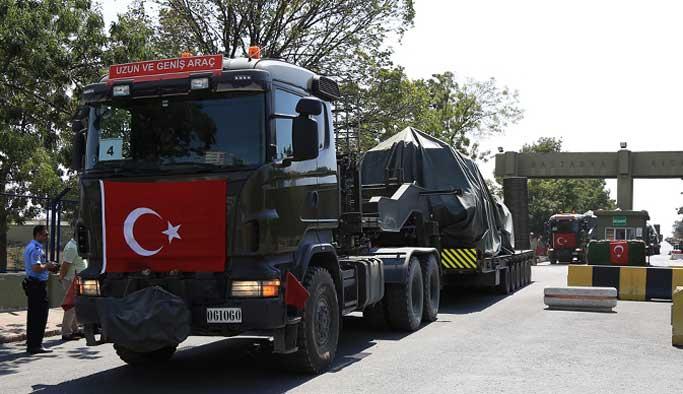 Tanklar İstanbul'u terk ediyor FOTO