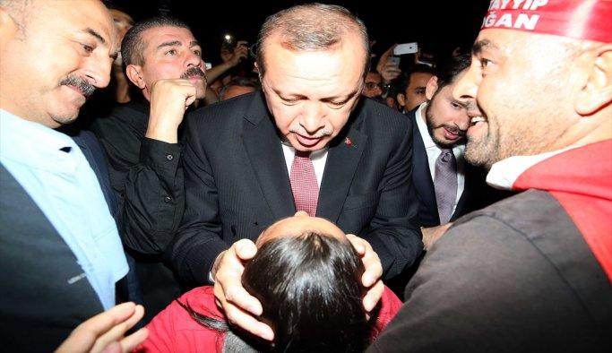 Tayyip Erdoğan demokrasi nöbetinde