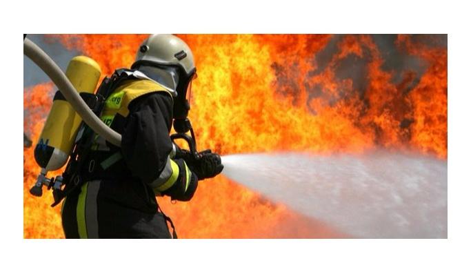 Tuzla Deri Sanayi Bölgesi'nde yangın