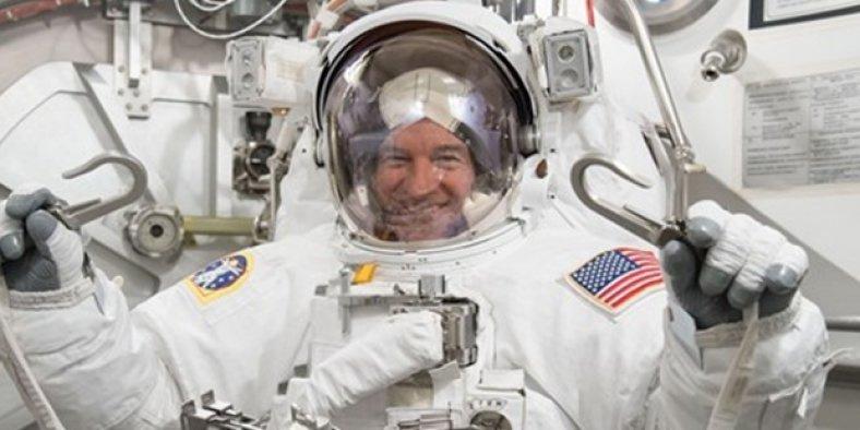 Uzay'da en uzun kalma rekoru kırıldı