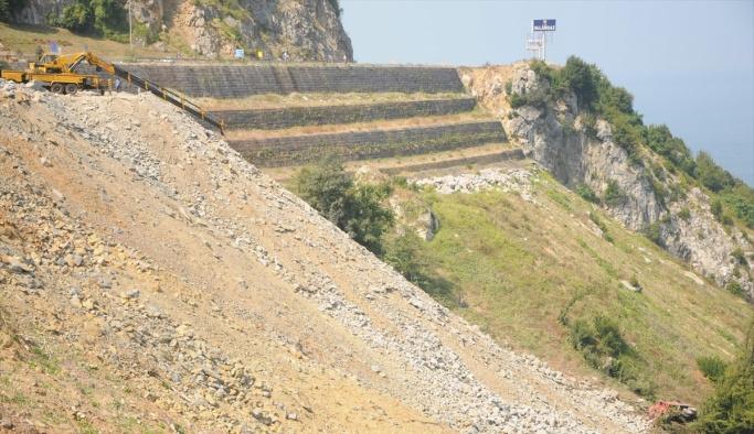 Zonguldak'ta toprak kayması