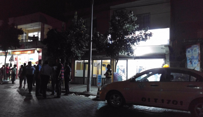 Adana'da kahvehane tarandı