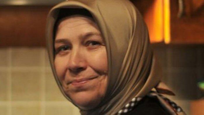 AK Partili kadın yönetici evinde ölü bulundu