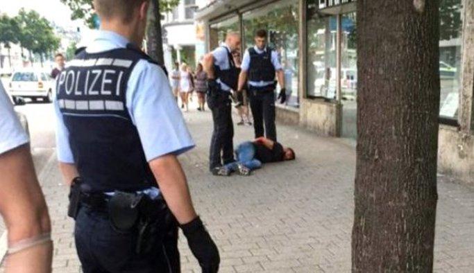 Almanya'da aşırı sağcılar ile mülteciler arasında kavga