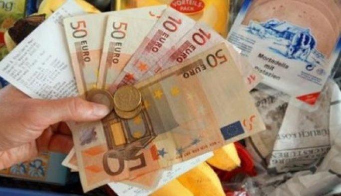Almanya'da enflasyon ağustosta sabit kaldı