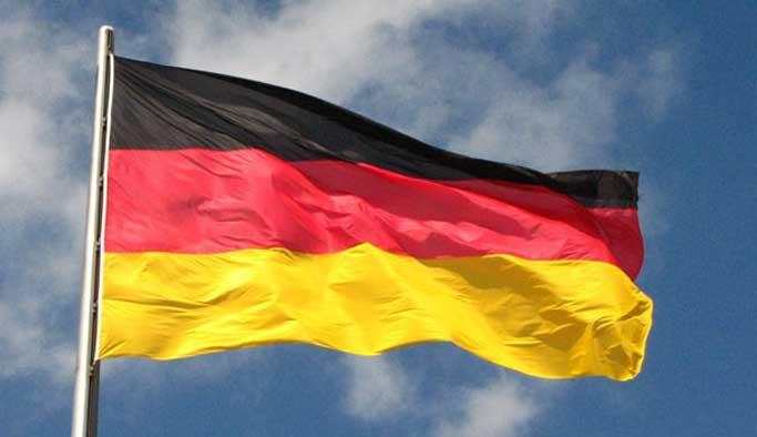 Almanya'da Türk siyasetçileri tehdit serbest