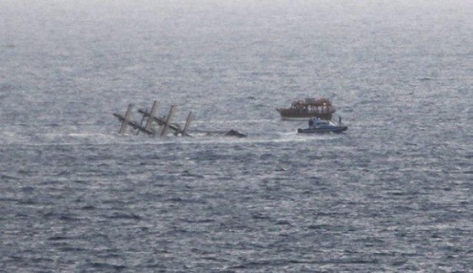 Antalya açıklarında tur teknesinin batması