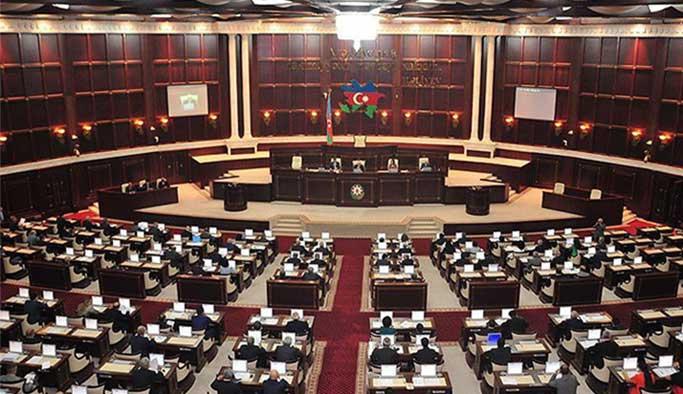 Azerbaycan'dan AP ile ilişkileri düzeltme kararı