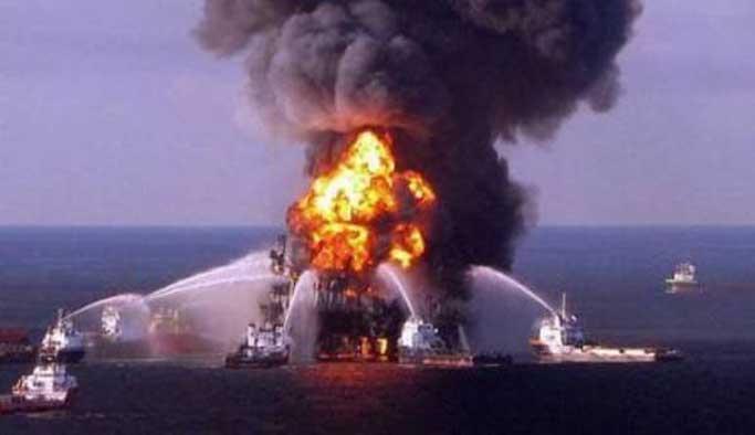 Azerbayncan'da petrol kuyusunda yangın