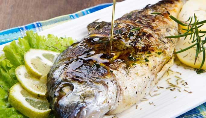 Balığı ızgara ya da buğu yaparak pişirin
