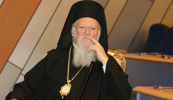Bartholomeos İzmir'de ayin yönetti