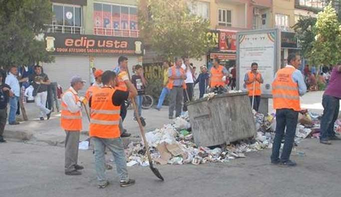 Çöpler polis eşliğinde toplanıyor