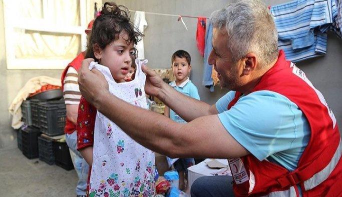 BMD Gazze'de kıyafet dağıttı