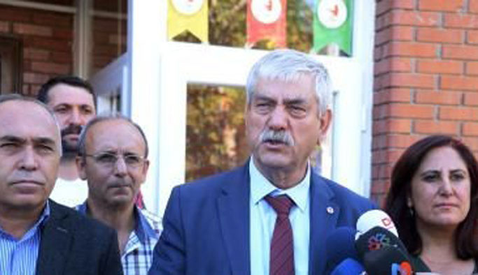 DİSK BDP'li belediyelere 'kayyum' desteği
