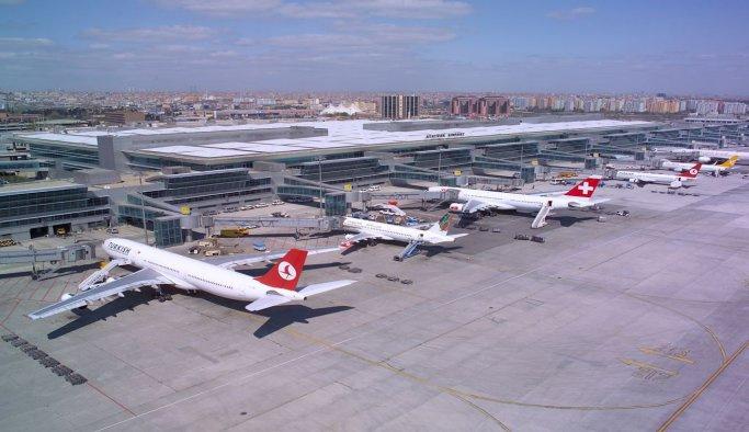 Dört büyük havalimanı, bayramda 3 milyon yolcu ağırladı