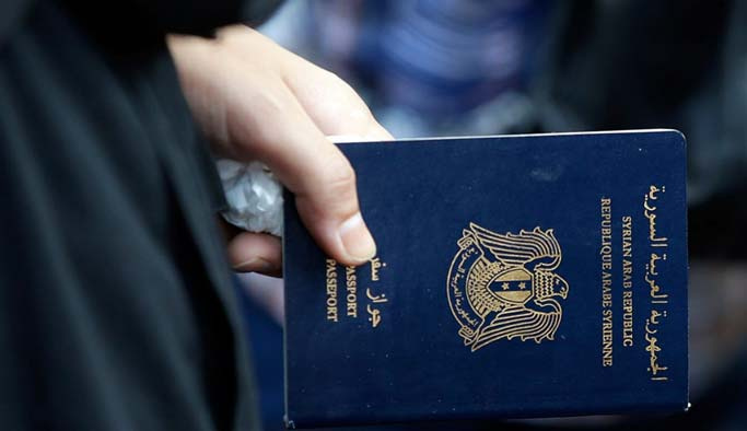 Esad istedi İngiltere pasaportlara el koydu