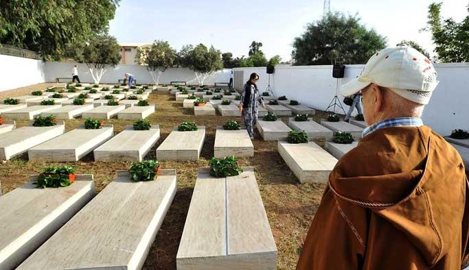 Fas'ta 'Ekmek Kurbanları' için anıt mezarlık
