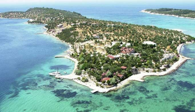 FETÖ şüphelisinin Ege'de adası çıktı