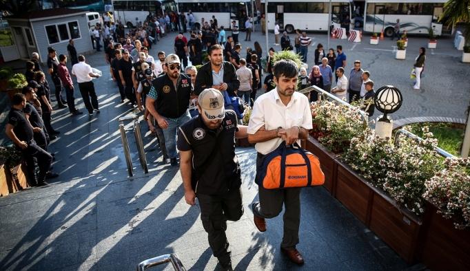 Bursa'da 49 emniyet mensubu tutuklandı