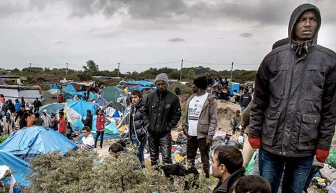 Fransa'da bir sığınmacı kampı daha dağıtılıyor