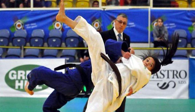 Genç judocular İspanya yolcusu