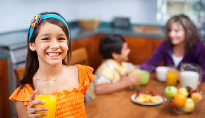 Günde 1 bardak meyve suyu, çocukları hastalıklardan koruyor