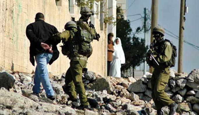 İsrail 19 Filistinli'yi alıkoydu