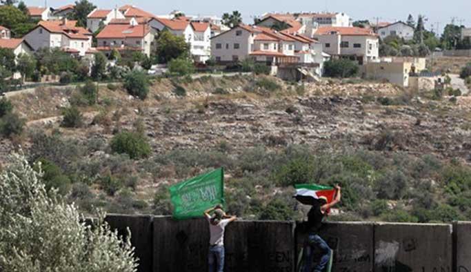 İsrail Filistinlilerin yollarını kapattı