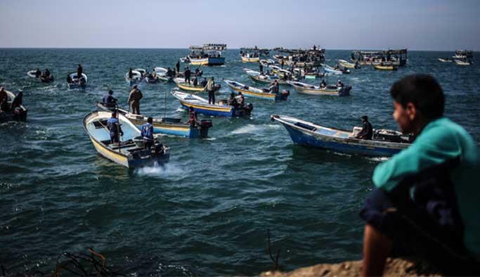 İsrail Gazzeli 6 balıkçıyı gözaltına aldı