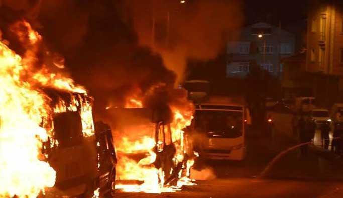 İstanbul Avcılar'da 28 araç kundaklandı