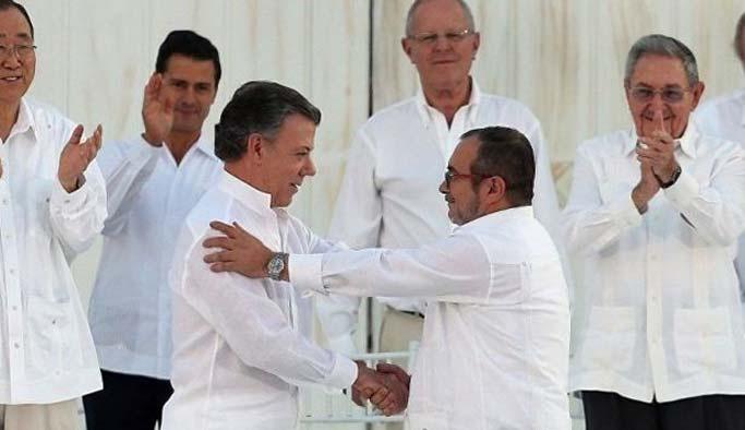 Kolombiya'daki kanlı iç savaş resmen sona erdi