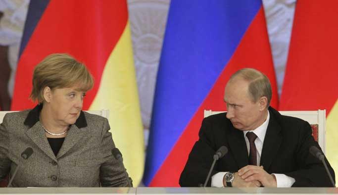 Merkel, Erdoğan'dan sonra Putin ile görüştü